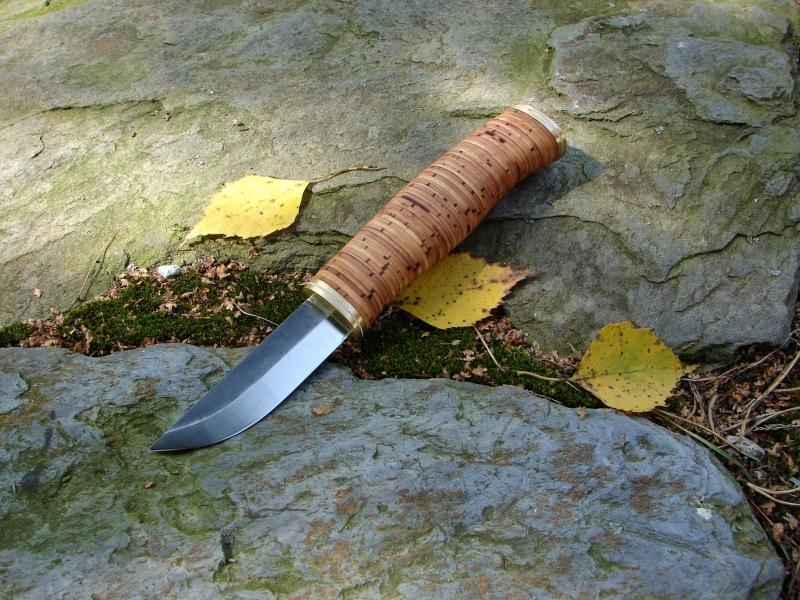 Nóż skandynawski z rękojeścią z kory brzozowej