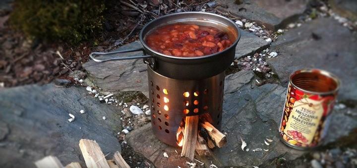 Kuchenka survivalowa DIY z ociekacza
