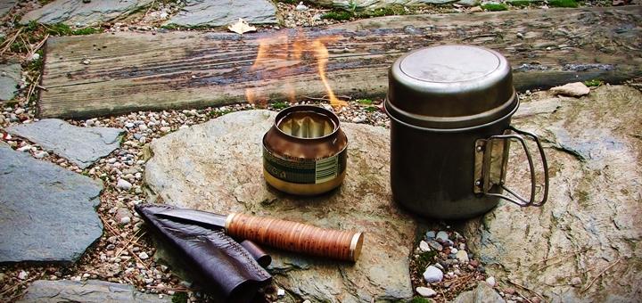 kuchenka palnik z puszki 22 720x340 - Palnik z puszki w 5 minut, czyli kuchenka survivalowa na alkohol